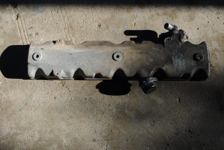 Used Valve Cover - Peugeot Engine XUD9 - Bobcat 751
